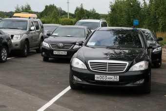 Брянские чиновники утверждают, что ездят на российских машинах