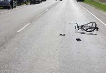 Брянский водитель насмерть сбил школьника-велосипедиста