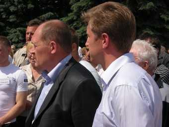 Заместитель мэра Брянска не ответил, кто проверяет качество асфальта