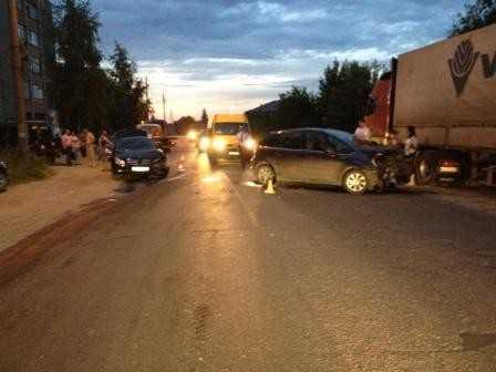 В Брянске женщина, лишенная «прав» за пьянство, спровоцировала ДТП