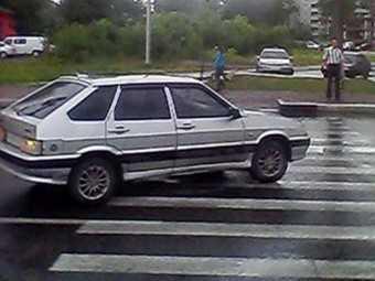 Пешеход в Брянске выбежал на «красный» и попал под колеса
