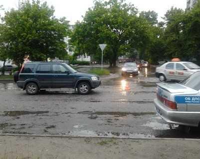 Хонда сбила пенсионерку, переходившую дорогу вне «зебры»