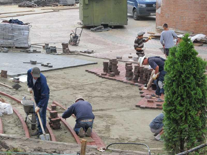 Строители Кафедрального собора в Брянске приступили к решающему этапу