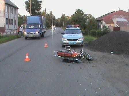 В Брянске пьяный водитель мопеда сломал себе нос