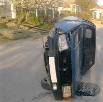 Брянский пенсионер «подбил» такси и маршрутку