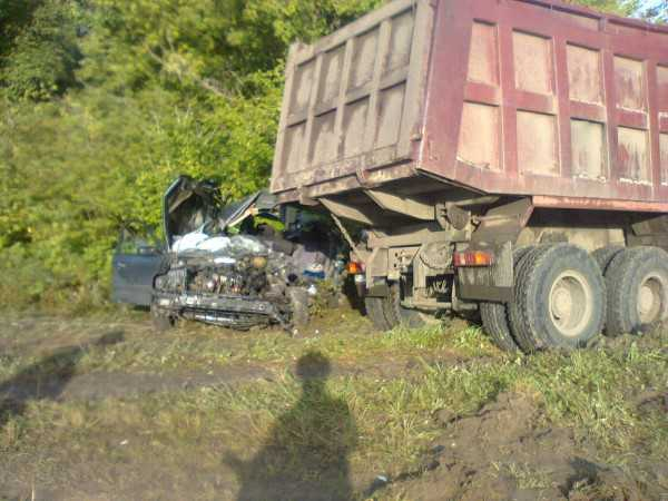 Лишенный права управления брянский водитель погубил двоих