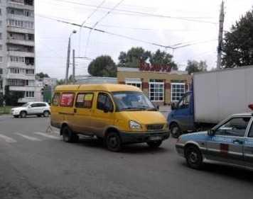 В Брянске неведомый водитель сбил беременную женщину