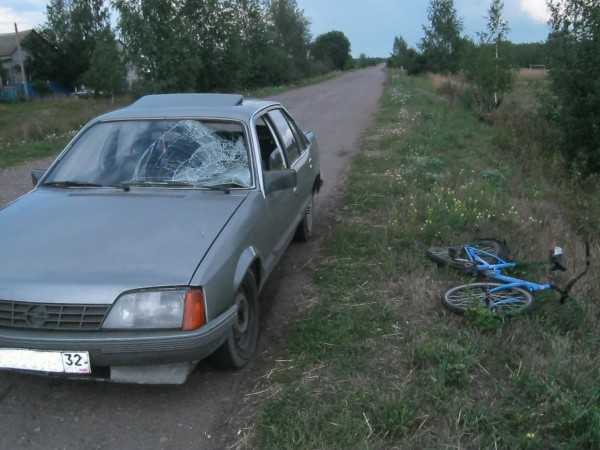 Юный брянский велосипедист попал под колеса