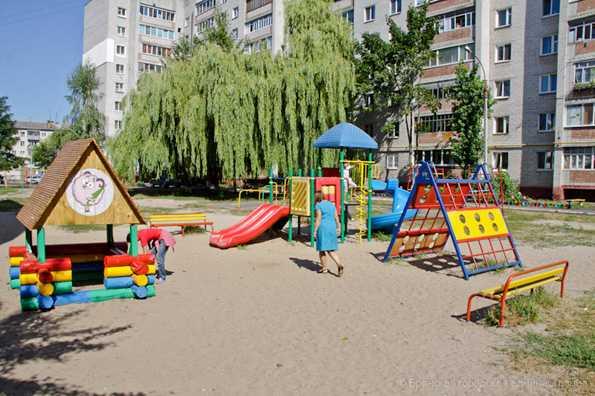 Власти Брянска не нашли в городе «самый лучший дворик»