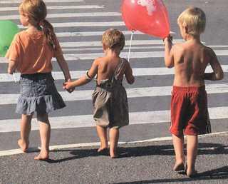Брянские дети и взрослые попадают на дорогах в 30 «ловушек»