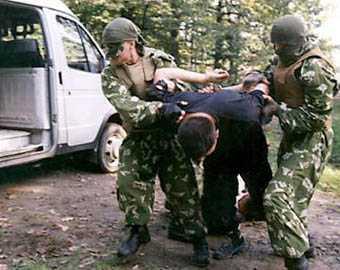 Брянские полицейские задержали интернациональную шайку наркоторговцев