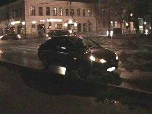Самоуверенный брянский пешеход попал под колеса