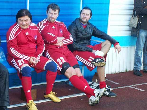 Брянские власти хотят обыграть звезд в футбол