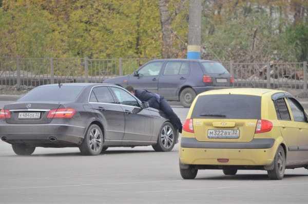 В Брянске Мерседес сбил представителя Потомского
