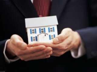 Главу сельской администрации поймали на незаконной приватизации жилья