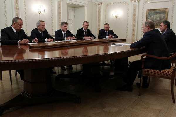 В числе других губернаторов Денин встретился с Путиным