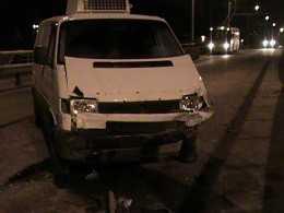 В Брянске на путепроводе через Литейную столкнулись несколько машин