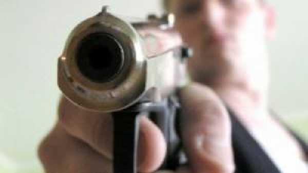 Жителя брянского поселка расстреляли около дома