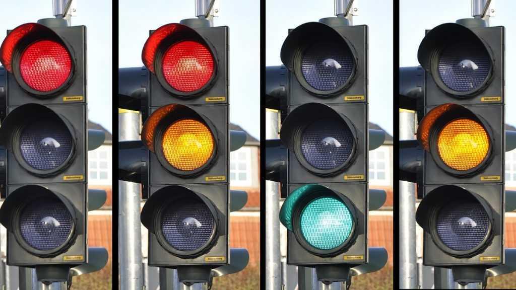 В Сураже чиновников заставили установить светофоры возле школ