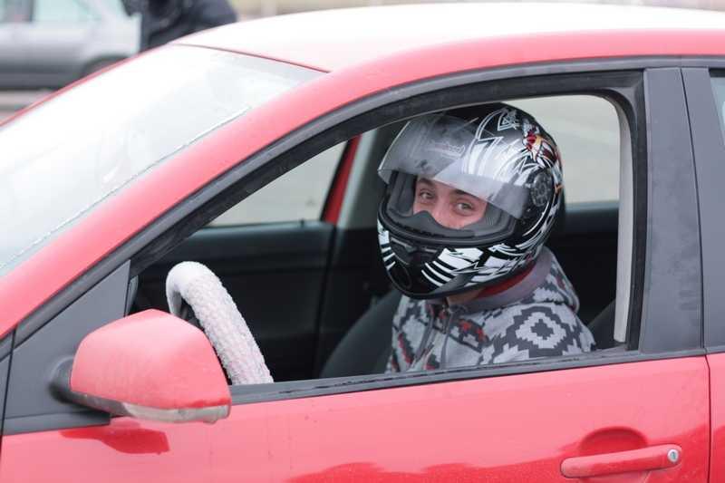 Брянские автомобилисты в День жертв ДТП показали мастерство вождения