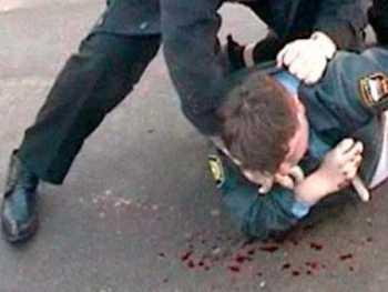 На двух белорусов, избивших брянского милиционера, завели уголовное дело