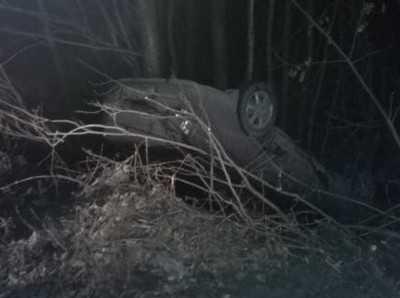 Переехав лежавшего на дороге пешехода, брянский водитель перевернулся