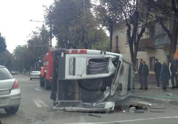 В Брянской области перевернулся автобус с пассажирами