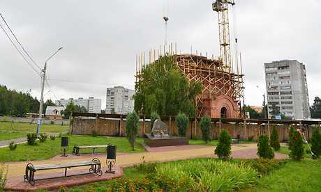 В Брянской воспитательной колонии воздвигли бревенчатый храм