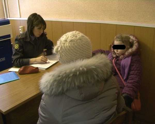 Брянские полицейские нашли потерявшуюся девочку