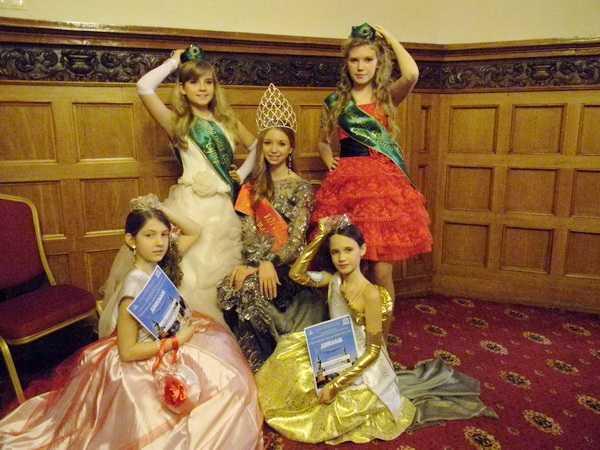 Маленьким модницам из Брянска вручили «Хрустальные короны» столицы