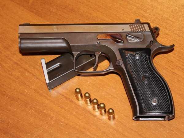 Брянский и белорусский бизнесмены продавали оружие бандитам