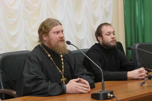 Священники отговорили брянских таможенников брать взятки