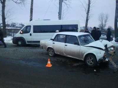 Брянский студент врезался в маршрутку, четверо ранены