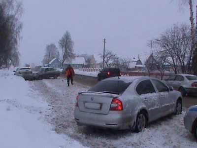 На трассе Брянск – Новозыбков столкнулись три легковушки