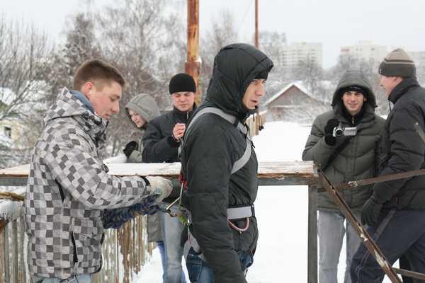 Головокружительные прыжки с моста в Брянске пополнили список отважных