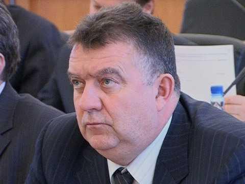 У брянского депутата-чиновника плохой стул