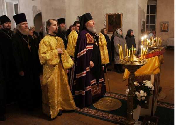 Епископ Александр совершил литургию в древнем Брасовском храме