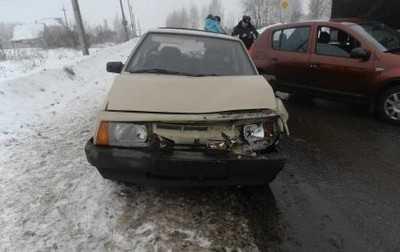 В Брянске водитель «девятки» протаранил автомобилистку на Рено