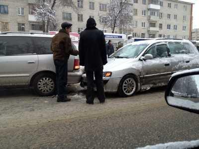 Молодая жительница Брянска пострадала при столкновении легковушек