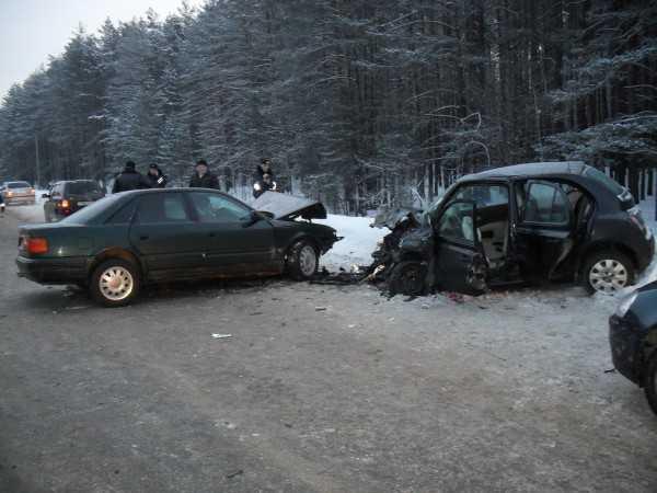Брянская полиция расследует столкновение двух иномарок