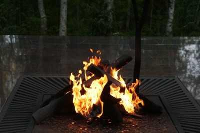 В Сельцо сгорел «Ниссан», брянская полиция не исключает поджог