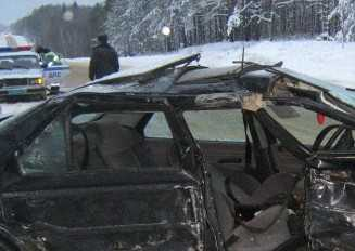 Под Злынкой автомобили столкнулись после того, как ушли под откос
