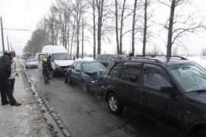 Обнаглевший брянский маршруточник спровоцировал тройное ДТП