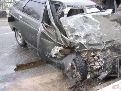 В Брянской области столкнулись ВАЗ и маршрутка, водитель погиб