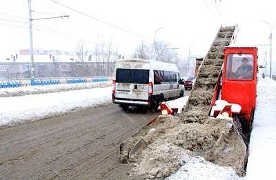 Брянск перешел на осадное положение в борьбе со снегом
