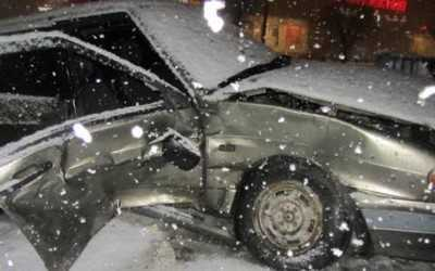 В Брянске водитель ВАЗ подставил свою пассажирку под удар Киа