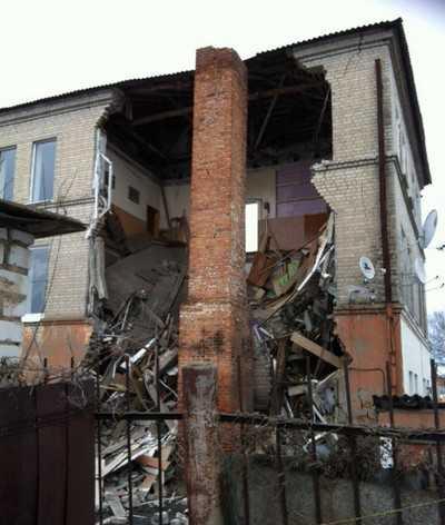 В Клинцах обрушился Дом быта