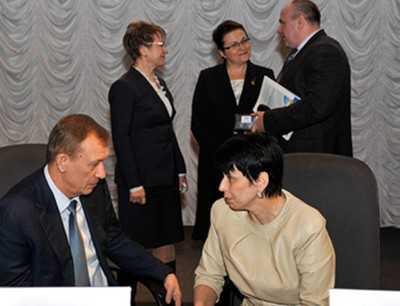 В Брянске собрались налоговики ЦФО — народ опасается шелковой удавки