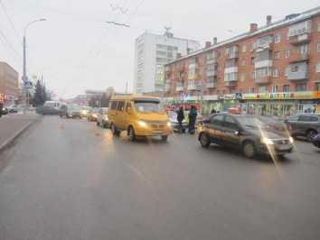 В Брянске  в аварию угодила юная пассажирка такси