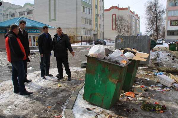 Руководитель Фокинского района Брянска получил выговор за мусор
